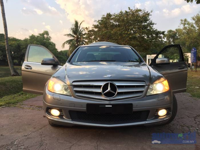 Used mercedes benz c class c230 v6 2009 for Mercedes benz v6