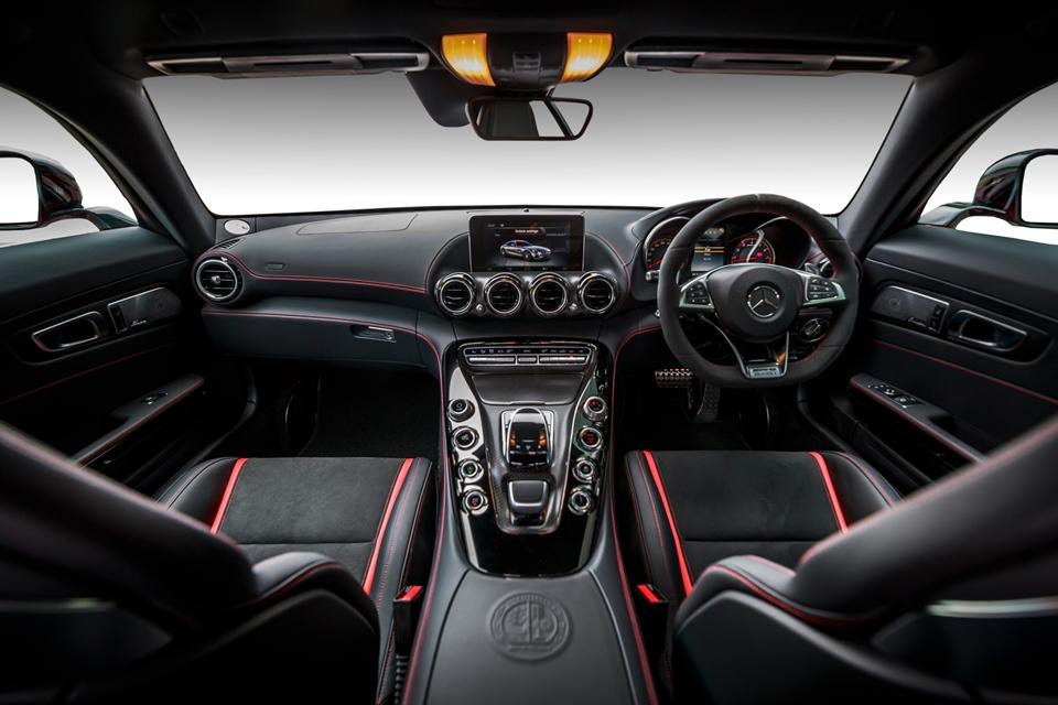 Mercedes-AMG GT S_Interior  (1)