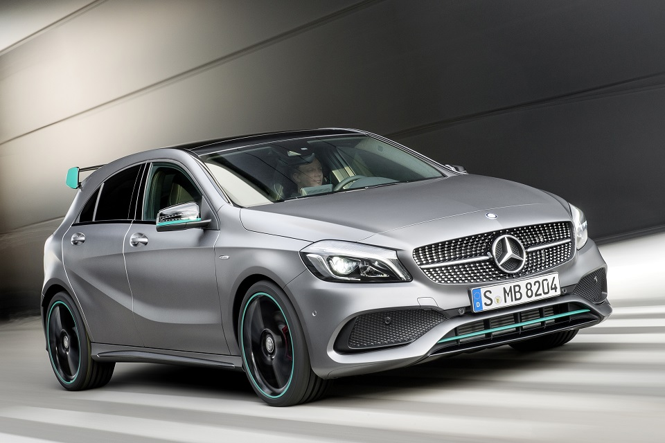 Mercedes benz a class facelift makes global debut for Mercedes benz global