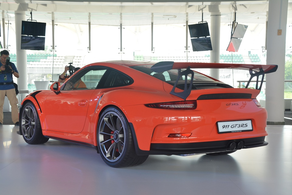 Porsche 911 Gt3 Rs Launched In Malaysia Autoworld Com My