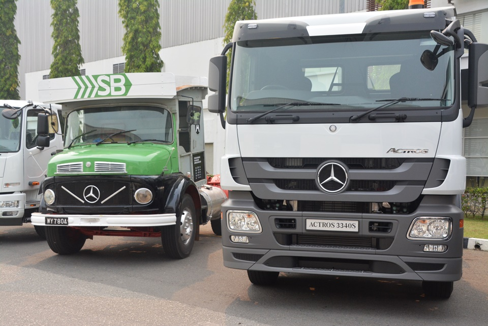 Mercedes benz celebrates 25 000th locally produced for Mercedes benz commercial trucks