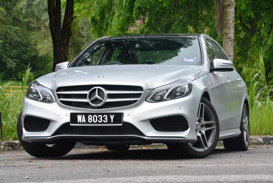 Mercedes Benz E 300 Bluetec Hybrid W212 Test Drive Review