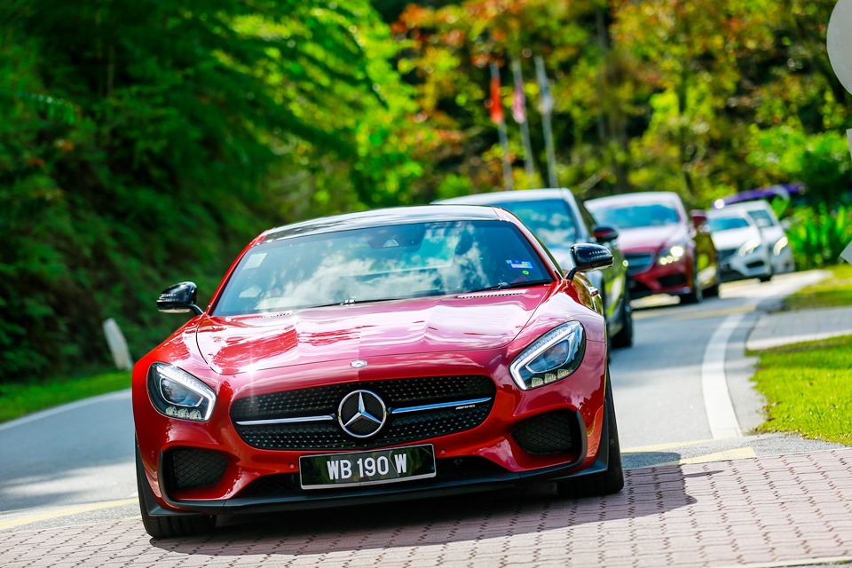 Mercedes benz malaysia launches dream cars collection for for Elite mercedes benz