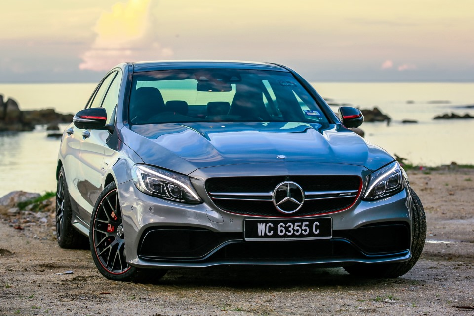 Mercedes benz malaysia launches dream cars collection for for Mercedes benz malaysia