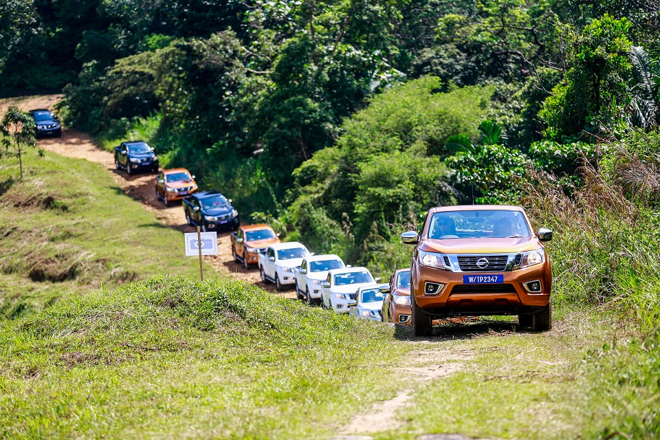15 Drive_All-New NP300 Navara