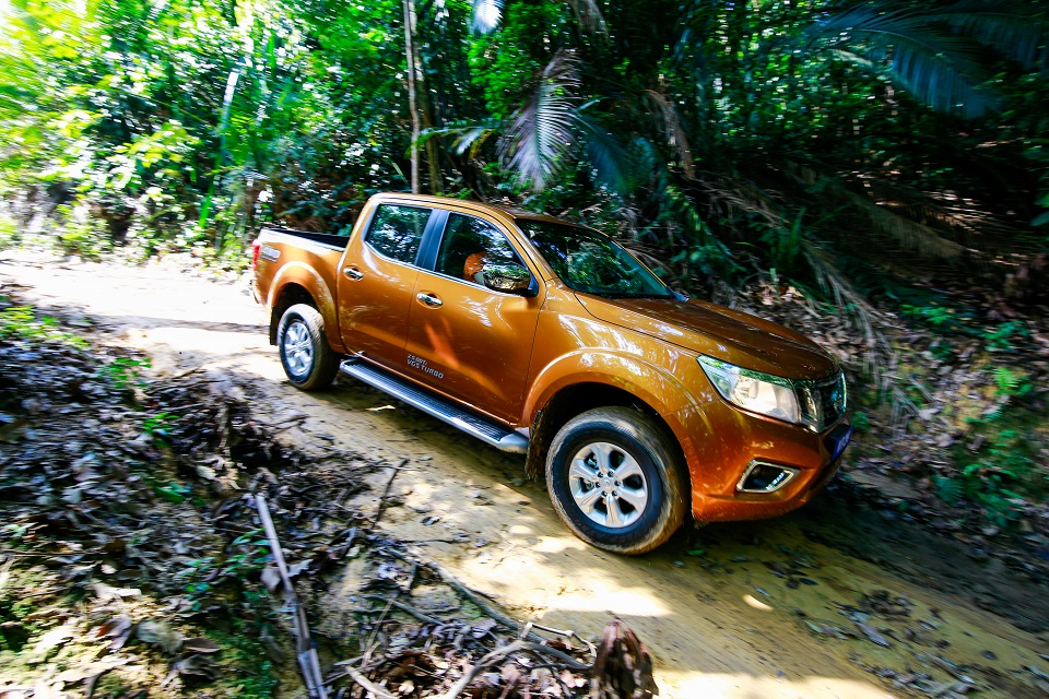 37 Drive_All-New NP300 Navara