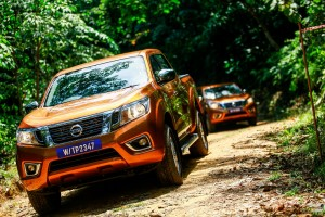 10 Drive_All-New NP300 Navara