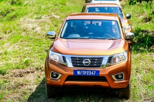 13 Drive_All-New NP300 Navara