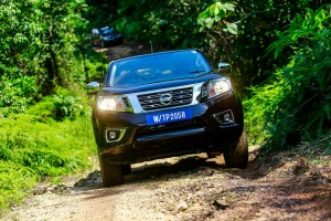 35 Drive_All-New NP300 Navara