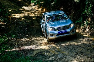 40 Drive_All-New NP300 Navara