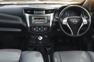 13 All-New NP300 Navara_Single Cab_Interior