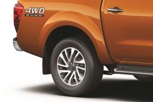 08 All-New NP300 Navara_Double Cab_18 inch Alloy Rims