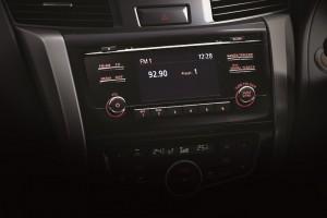 18 All-New NP300 Navara_Double Cab_Infotaiment Display