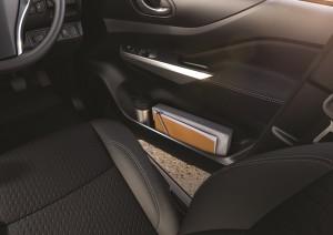 22 All-New NP300 Navara_Double Cab_Interior
