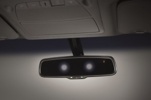 25  All-New NP300 Navara_Double Cab_Auto Dimming Rear View Mirror with Compass