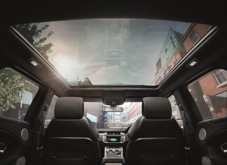2016 Range Rover Evoque FL_FIxed Panoramic Roof_LR