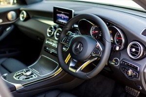 Mercedes-Benz GLC 250 4MATIC Dashboard