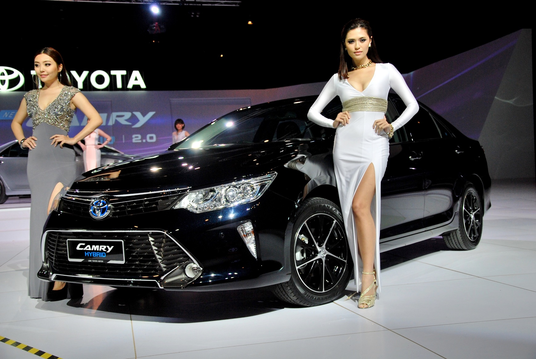 Toyota Camry Hybrid Price Unchanged In Malaysia