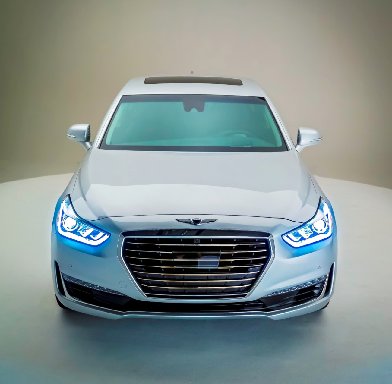 a look at hyundai genesis g90 luxury sedan. Black Bedroom Furniture Sets. Home Design Ideas