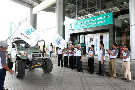 4x4 Drivers Put Petronas Dynamic Diesel To The Test In Miri