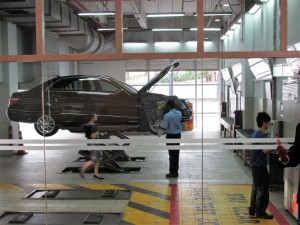 Mercedes-Benz Cycle & Carriage Bintang Petaling Jaya Autohaus Service Bay
