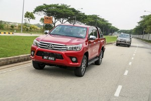 Toyota_Hilux_Fortuner_Drive_Media-219