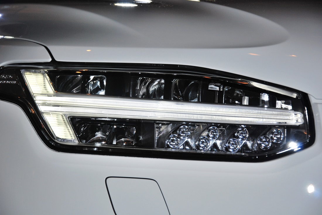 Thors Hammer Volvo >> Volvo Xc90 T8 Plug In Hybrid Malaysia Thor S Hammer Autoworld Com My