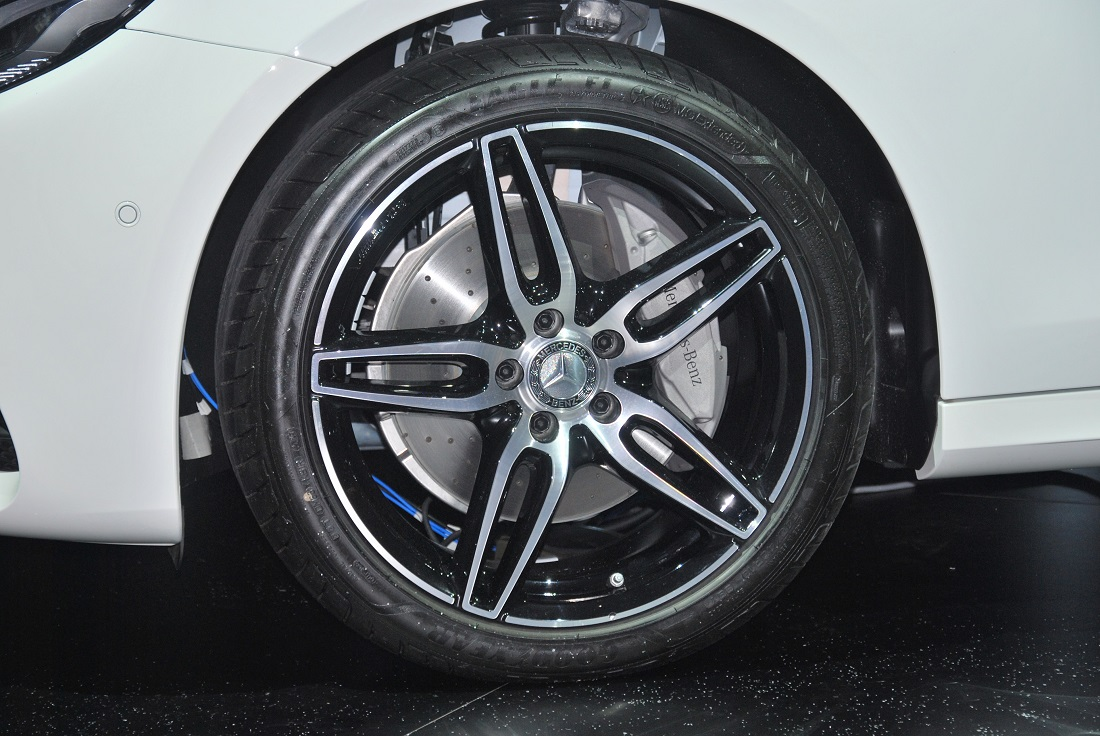 Four variants of mercedes benz w213 e class for malaysia for Mercedes benz mag wheels