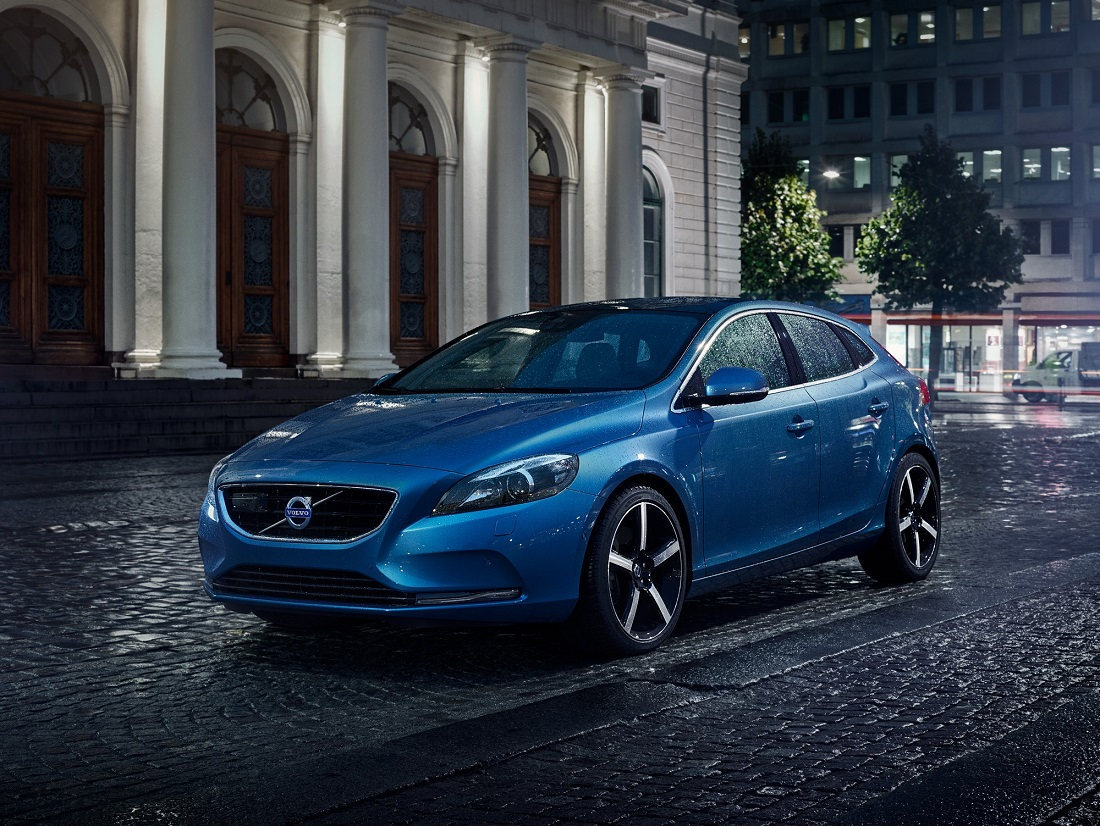 the volvo v40 gets new drive e engine. Black Bedroom Furniture Sets. Home Design Ideas