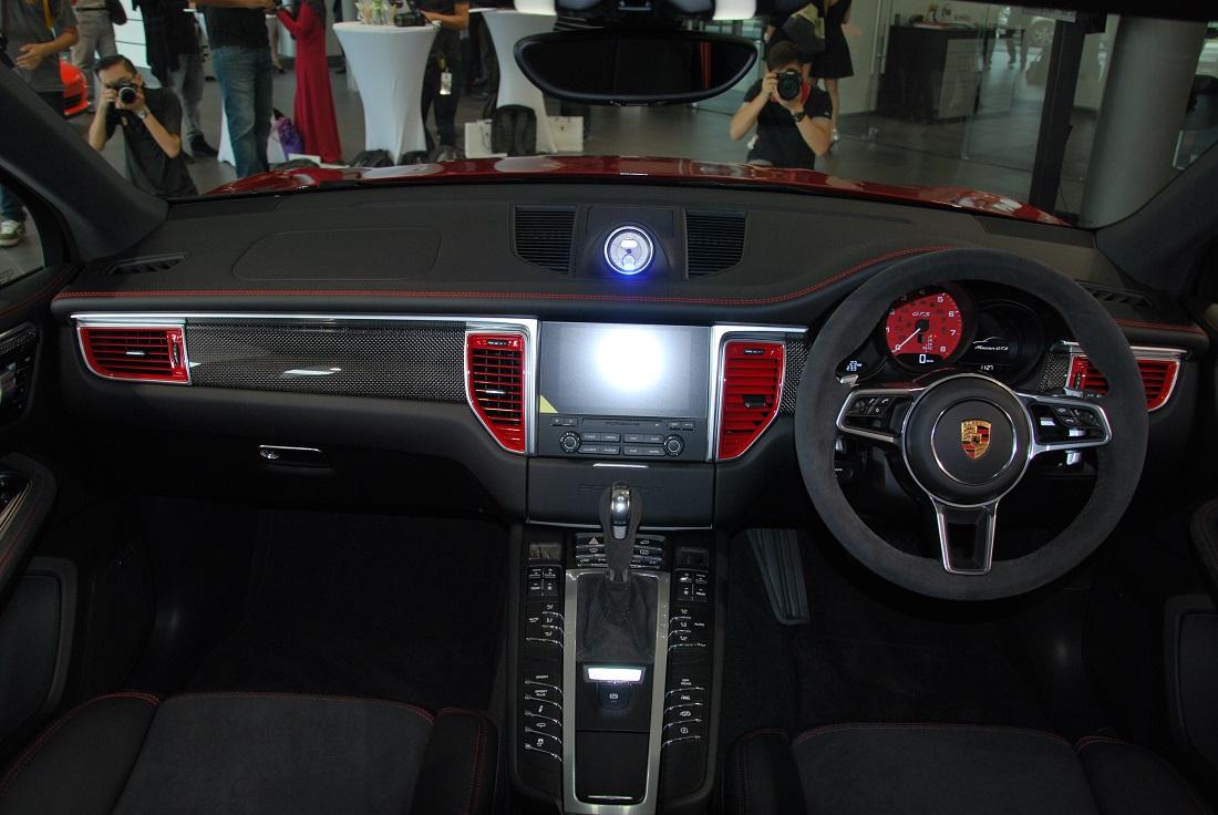 Porsche Macan Gts Interior >> Porsche Macan Gts Interior Malaysia 2016 Autoworld Com My