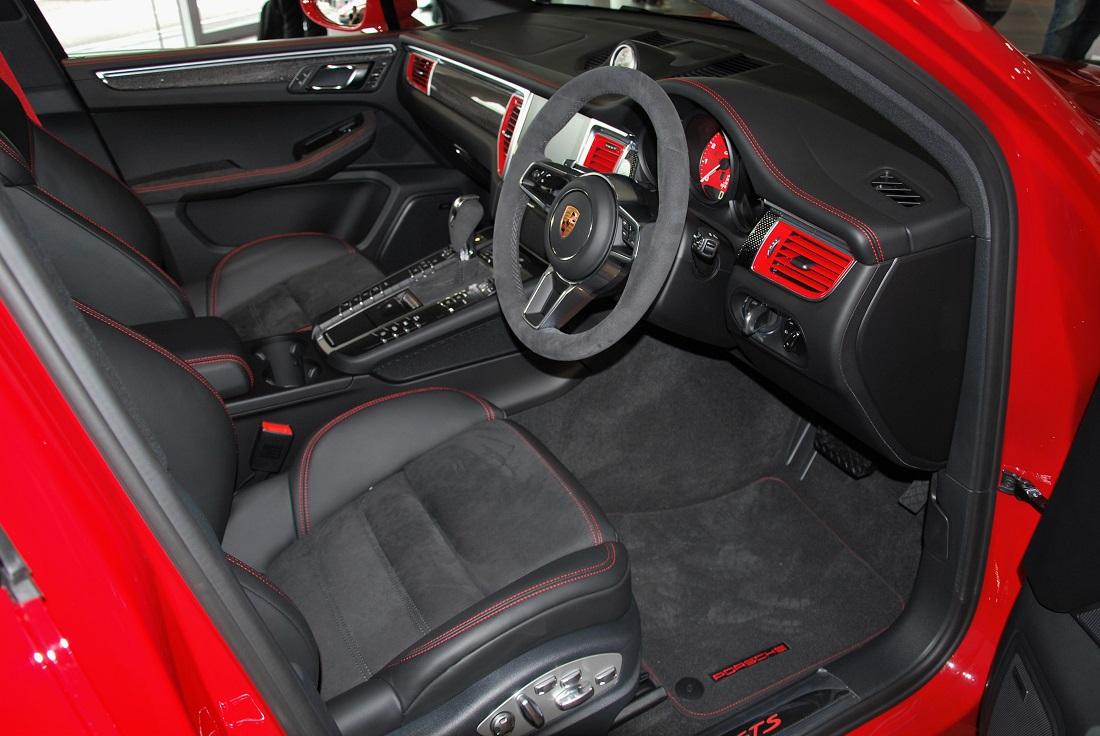 Porsche Macan GTS Interior 2 Malaysia 2016