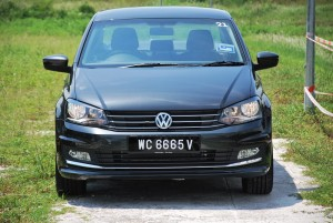VW Vento Highline Front