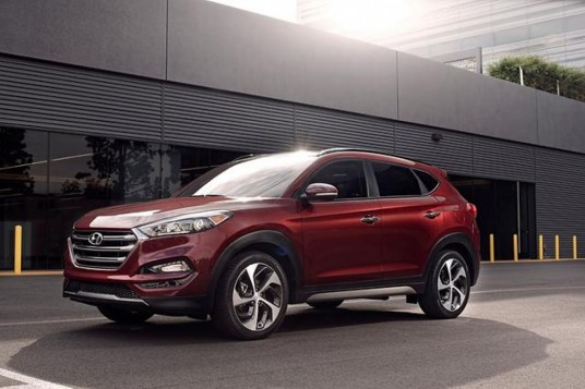 Hyundai Tucson Gets Good Rating For IIHS Small Overlap Crash