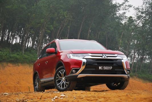 Mitsubishi Outlander Test Drive Review