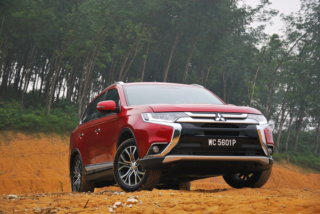 mitsubishi outlander test drive review - autoworld.my