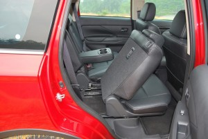 Mitsubishi Outlander Sliding 2nd Row Seat