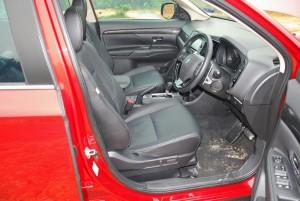 Mitsubishi Outlander Front Seats