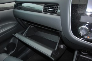 Mitsubishi Outlander Glove Box