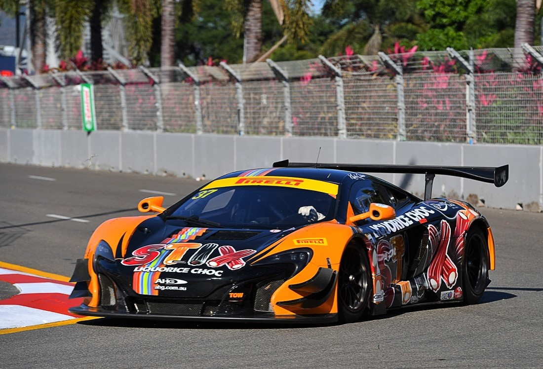 mclaren 650s gt3 takes clean sweep in australia. Black Bedroom Furniture Sets. Home Design Ideas