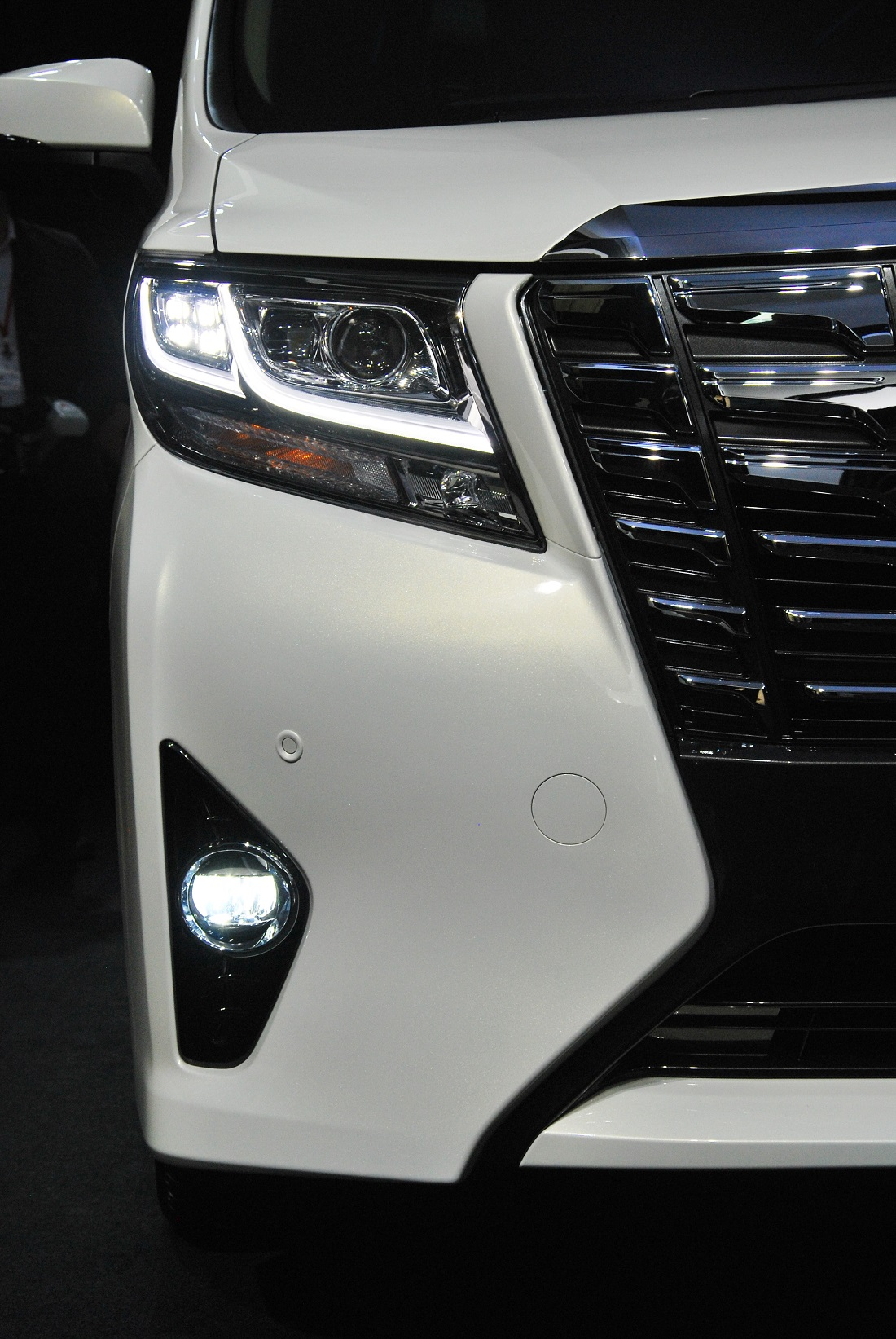 Made-For-Malaysia Toyota Alphard & Vellfire MPVs Launched - Autoworld.com.my