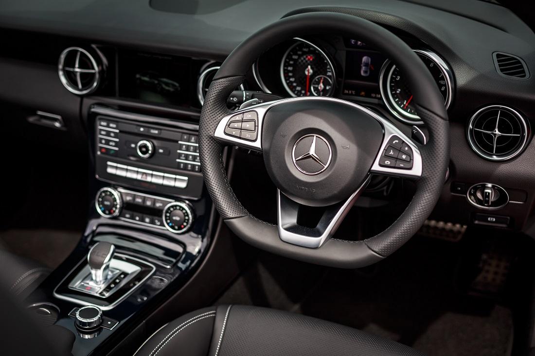e1ad9034508 Mercedes-Benz SLC 300 (19) - Copy - Autoworld.com.my