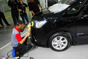 Supagard Demonstration, Polishing Headlamps - Nissan Glenmarie 4S