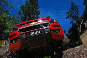 2016 Chevrolet Colorado Malaysia Media Drive Off Road, Rock
