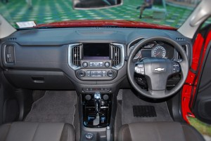 2016 Chevrolet Colorado High Country 2.8L Dashboard, Malaysia