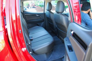 2016 Chevrolet Colorado High Country 2.8L Malaysia Rear Seats