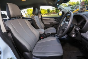 2016 Chevrolet Colorado LTZ 2.5L Front Seats