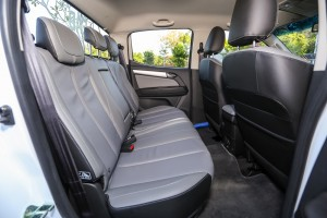 2016 Chevrolet Colorado LTZ 2.5L Rear Seats