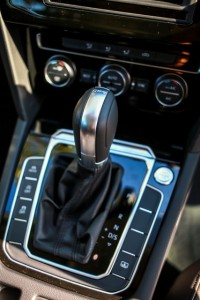 VW Passat Gear Shift Console. 5D3_8025