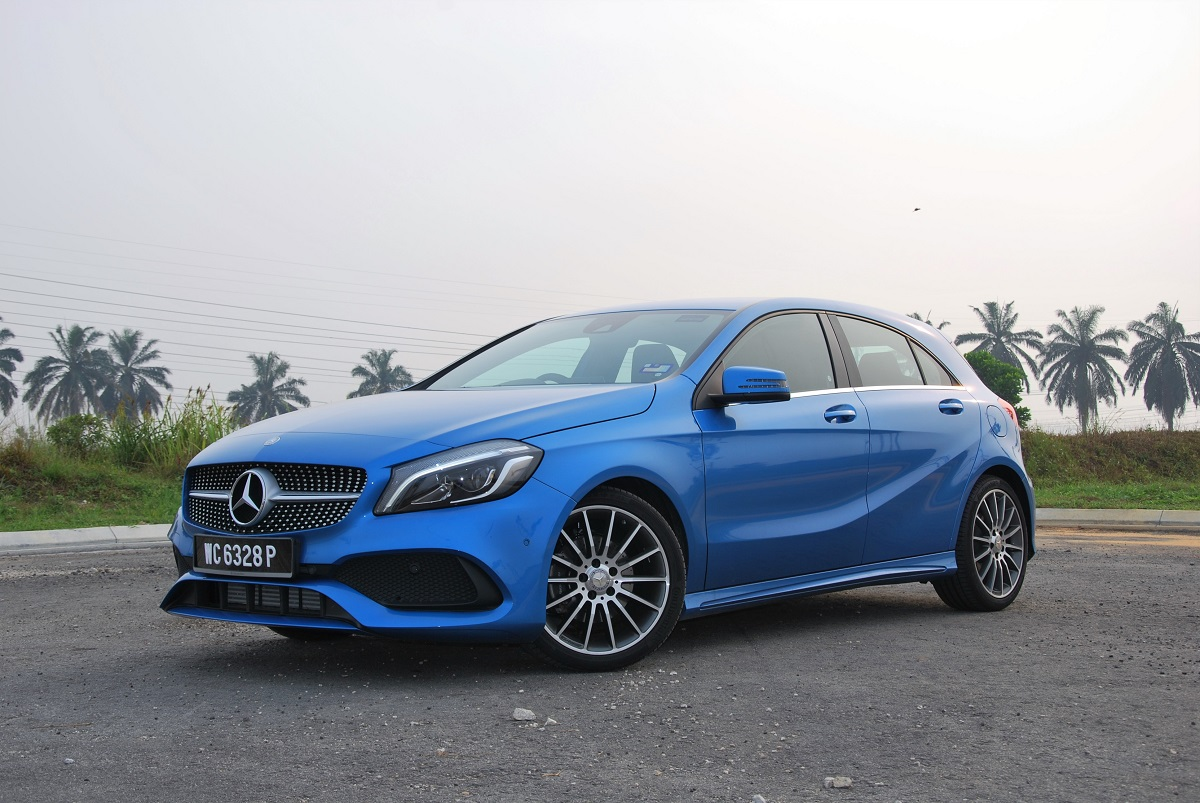 test drive review mercedes benz a200 amg line. Black Bedroom Furniture Sets. Home Design Ideas