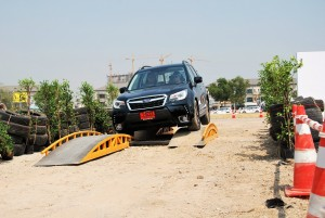 Subaru Forester 2.0i-P Obstacle Course 2016